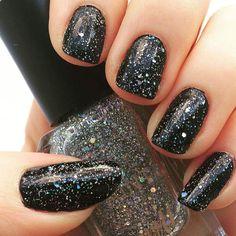 + 140 UÑAS NEGRAS DECORADAS | UÑAS DECORADAS - NAIL ART Nail Polish, Nails, Beauty, Fashion Black, Best Nail Designs, Colorful Nail, Ladies Fashion, Fashion Trends, Black Nail Designs