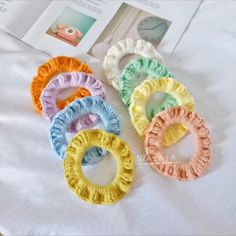 Crochet Basket Pattern, Crochet Bunny, Diy Crochet, Crochet Flowers, Crochet Patterns, Crochet Headband Tutorial, Crochet Hair Clips, Crochet Stitches For Beginners, Crochet Videos
