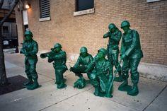 kostüme-gruppen ideen spielzeugsoldaten grün