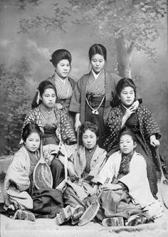 Girls dormitory tennis club, commemorative photo of graduation - Japan - March 1905