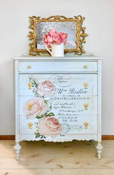 The Untold Story On Shabby Chic Furniture Dresser That You Shabby Chic Decor Vaisseliers Vintage, Shabby Chic Vintage, Shabby Chic Style, Shabby Chic Decor, Vintage Ideas, Bedroom Vintage, Vintage Decor, Repainting Furniture, Decoupage Furniture