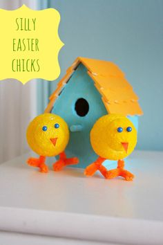 the pretty bee: DIY - Silly Easter Chicks.