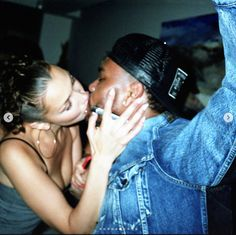 Bella Hadid showing major PDA with lover dumper and reigniter- the Weeknd. The super cute couple was in New York City Tuesday… Birthday Posts, 22nd Birthday, Birthday Angel, Happy Birthday, Beaux Couples, Cute Couples, 2pac, The Weeknd Birthday, Bella Hadid Birthday