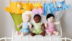 LEKKAMRAT Serie, hier u. a. m mit LEKKAMRAT Puppe grün