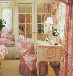 love the closet doors and the toile