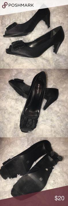Dress Barn Size 9.5 Black Ruffled Peep-Toe Heels Dress Barn Size 9.5 Black Ruffled Peep-Toe Heels.  Excellent condition !!  Aprox 4 inch heel Dress Barn Shoes Heels