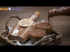 LIQUORE ALLA NUTELLA - Ricetta in 1minuto - YouTube Nutella, Drinks, Youtube, Desserts, Gifts, Food, Drinking, Tailgate Desserts, Beverages