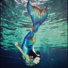 #MermaidRaven takes one last swim in this tail ⚓️ #merbella #merbellamermaid #merbellastudios #weekiwacheesprings