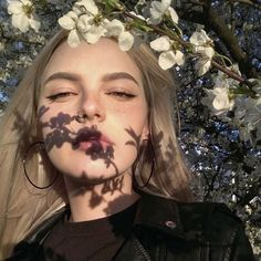 Womens photography aesthetic 45 ideas for 2019 Aesthetic Makeup, Aesthetic Photo, Aesthetic Girl, Aesthetic People, Photography Aesthetic, Instagram Pose, Insta Photo Ideas, Tumblr Girls, Girl Photography
