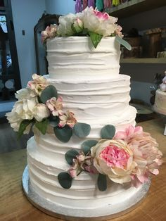 tarta buttercream floral Cupcakes, Floral, Desserts, Food, Fondant Cakes, Lolly Cake, Candy Stations, Tailgate Desserts, Cupcake Cakes