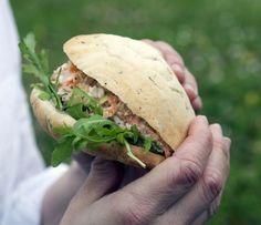 Pitabröd med tonfiskfyllning | Mat & Vänner
