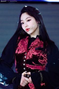 Mina Kpop Girl Groups, Korean Girl Groups, Kpop Girls, Sistar, Ioi, Beautiful Asian Girls, South Korean Girls, The Little Mermaid, Girl Crushes