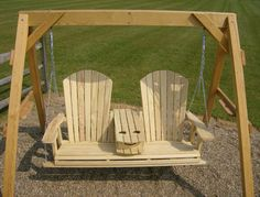 Jake's Amish Furniture - 5' Adirondack Swing With Fold Down Cup Holder Open In The Middle
