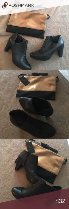 🚨Preloved Easy Spirit So Comfy Ankle Booties 12 Peek ankle design- so chic. Comfortable cushioning. Some slight wear on front and heel. See last few pix for details. Easy Spirit Shoes Ankle Boots & Booties
