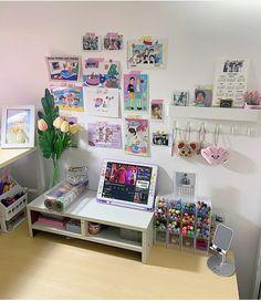 Study Room Decor, Room Ideas Bedroom, Bedroom Decor, Otaku Room, Pastel Room, Cute Room Ideas, Gaming Room Setup, Kawaii Room, Minimalist Room