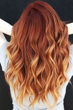 50 Auburn Hair Color Ideas To Look Natural - Hair ColorAuburn With Light Ends ❤ Going for auburn hair color might take some research and then some courage. But if the shade is chosen correctly, you will stand out wherever you go. Auburn Blonde Hair, Light Auburn Hair Color, Red Hair With Blonde Highlights, Red Balayage Hair, Light Red Hair, Cool Hair Color, Blonde Hair With Copper Lowlights, Light Colored Hair, Auburn Balayage Copper