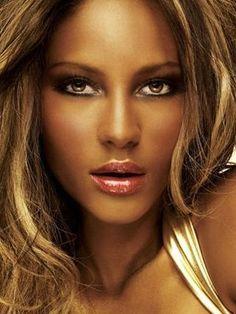 Google Image Result for http://makeupconcepts.info/wp-content/uploads/2012/03/Make-Up-Ideas-For-Black-Women.jpg