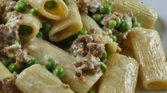 Rigatoni pasta in a creamy sausage sauce with green peas. Pastas Recipes, Pea Recipes, Italian Recipes, Cooking Recipes, Healthy Recipes, Recipies, Italian Entrees, Italian Meals, Cooking Pasta