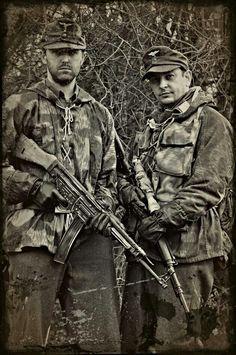 Luftwaffe field div troopers.
