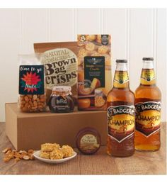 Exclusively designed here at Smart Gift, our Golden Champion Beer gift box is the ideal treat for any beer lover who deserves appraisal! Whether it's for Father's Day, birthdays or a Well Done occasion, it is the perfect answer to your shopping needs. Send Gift Basket, Food Gift Baskets, Food Hampers, Gift Hampers, Hampers Online, Buy Gifts Online, Beer Gifts, Beer Lovers, Gourmet