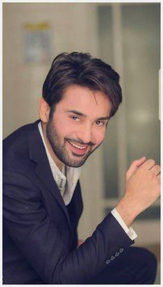 Handsome Celebrities, Handsome Actors, Handsome Boys, Pakistani Tv Dramas, Pakistani Actress, Poses For Men, Boy Poses, Tv Actors, Actors & Actresses