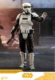 Solo: A Star Wars Story Patrol Trooper Collectible Hot Toys Figure Coming Soon - Star Wars Models - Ideas of Star Wars Models - Solo: A Star Wars Story Patrol Trooper Collectible Hot Toys Figure Coming Soon Star Wars Ships, Star Wars Gifts, Star Wars Toys, Star Wars Clone Wars, Star Wars Characters Pictures, Star Wars Images, Star Wars Design, Star Wars Outfits, Star Wars Concept Art