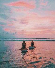 Couple Beach Pictures Outfits - Couple - #couple