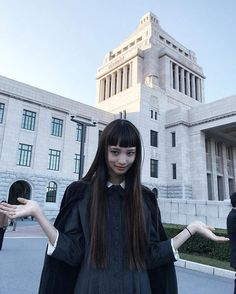 Her hair is sooooo long Japanese Models, Japanese Fashion, Japanese Girl, Long Hair With Bangs, Girl Short Hair, Yuka, Aesthetic Hair, Japanese Hairstyle, Pretty People