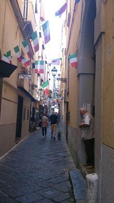 Street life in Sorrento
