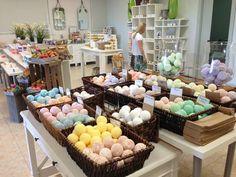 Naples Soap Company natural, handmade, bath bombs with Epsom salt and Shea butter!!! www.naplessoap.com