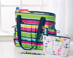 New Day Tote and Cool Clip Thermal Pouch make the perfect mom on the go set! #thirtyone