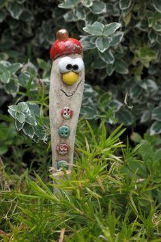 Hallo, jetzt kommen lustiger Blumenstecker oder auch für den Garten.  Ihr habt einen tollen Platz, oder Ihr möchtet anderen ein kleine Freude machen? Hier seid Ihr richtig....  Schaut auch bei...