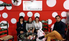 "Visita de Mayumi Shimoyama, la cantaora Yuka Imaeda ""Vamos"" y Takayo Muramatsu, responsable de Sonia Johnes ♥ ♥ #tiendaflamenca #telas #telasflamencas #telasestampadas #fabric #flamencofabric #japan"