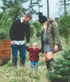 Canadian Christmas tree farm family photos by Studio 1079 Maternity Christmas Pictures, Family Maternity Photos, Family Christmas Pictures, Christmas Tree Farm, Holiday Pictures, Maternity Pictures, Family Photos, Xmas Photos, Pregnancy Christmas Card