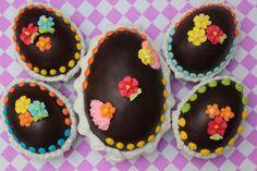 Huevos de Pascuas rellenos con bombones.