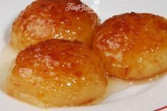 Haxhimakulle - Nga Delikatesat e Ëmbla të Traditës Veriore Shqiptare - AgroWeb Sweets Recipes, Fun Desserts, Delicious Desserts, Cake Recipes, Cooking Recipes, Turkish Sweets, Greek Sweets, Turkish Recipes, Food Humor