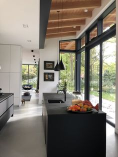 Pin by gladys mendez on dream house in 2019 дизайн дома, дом, кухня. Home Decor Kitchen, Kitchen Interior, Home Kitchens, Kitchen Modern, Kitchen Black, Cuisines Design, Home Design Plans, Küchen Design, House Rooms