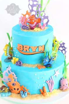 Finding Nemo Cake - La Dolce Dough, Sylvania Ohio This was Bryn's cake last year Nemo Y Dory, Finding Nemo Cake, Finding Dory, Dory Cake, Cake Background, Sea Cakes, Cake Shapes, Mermaid Cakes, Disney Cakes