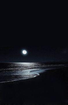Searching For Moonlight Dark Wallpaper, Nature Wallpaper, Wallpaper Backgrounds, Iphone Wallpaper, Moon Pictures, Moon Photography, Moonlight Photography, Beautiful Moon, Moon Art