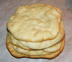 Scovergi Romanian Food, Just Bake, Food Cakes, Apple Pie, Guacamole, Cake Recipes, Food And Drink, Baking, Breakfast