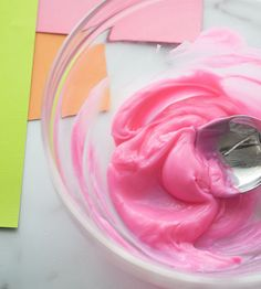 Make this super soft, no cook, cloud dough recipe! Only 2 main ingredients are needed - cornstarch and lotion. This homemade dough is really easy to make! Diy Crafts For Girls, Fun Diy Crafts, Baby Crafts, Toddler Crafts, Preschool Crafts, Toddler Games, Toddler Fun, Creative Activities For Kids, Craft Projects For Kids