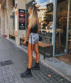 45 sexy outfit ideas for girls night out 24 Night Outfits, Sexy Outfits, Spring Outfits, Trendy Outfits, Cool Outfits, Fashion Outfits, Womens Fashion, Dr. Martens, Dr Martins Outfit