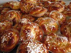 VillaTuta : Pikkupullia valkosuklaatäytteellä Pretzel Bites, Bread, Baking, Desserts, Food, Tailgate Desserts, Deserts, Brot, Bakken