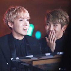 RM y Jhope