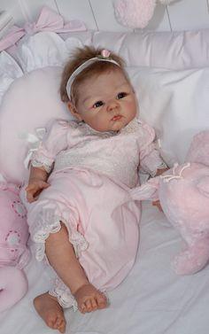 23.jpg Photo by rajvoog | Photobucket Cheza Baby Nursery Reborn Fake Baby Girl doll Paris Adrie Stoete ARTIST OF THE YEAR 2010 + 2011 - IIORA