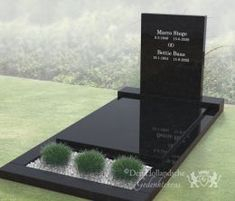 Strak vormgegeven grafmonument Cemetery Monuments, Cemetery Headstones, Cemetery Art, Tombstone Designs, Cemetery Decorations, Funeral Arrangements, Visit Germany, Memorial Stones, Landscape