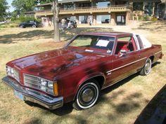1979 #Oldsmobile Delta 88 Royale  More  at http://www.carsandracingstuff.com/library/d/delta88.php