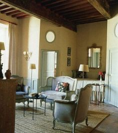 chateau chic  http://www.markdsikes.com/2012/05/09/chateau-chic/