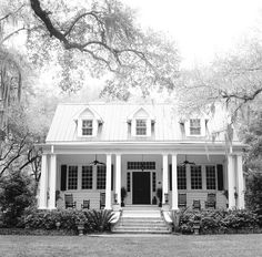 white southern plantation house