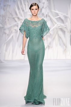 Abed Mahfouz - Couture - Fall-winter 2013-2014 - http://www.flip-zone.net/fashion/couture-1/independant-designers/abed-mahfouz-4046